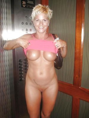 beautiful mature nude women