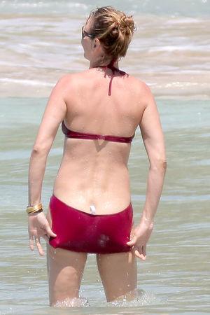 uma thurman bikini