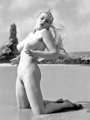 jayne kennedy naked