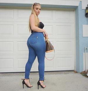 big booty mature galleries