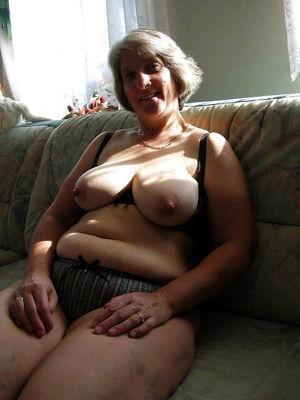 wife nude outdoor