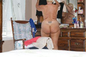 big tits big ass mom