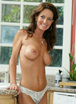 beautiful mature naked