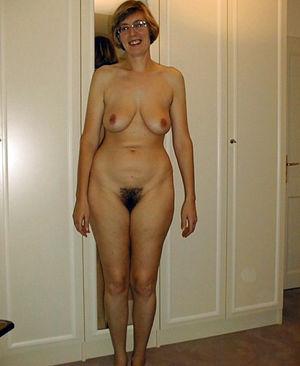beautiful mature women pics