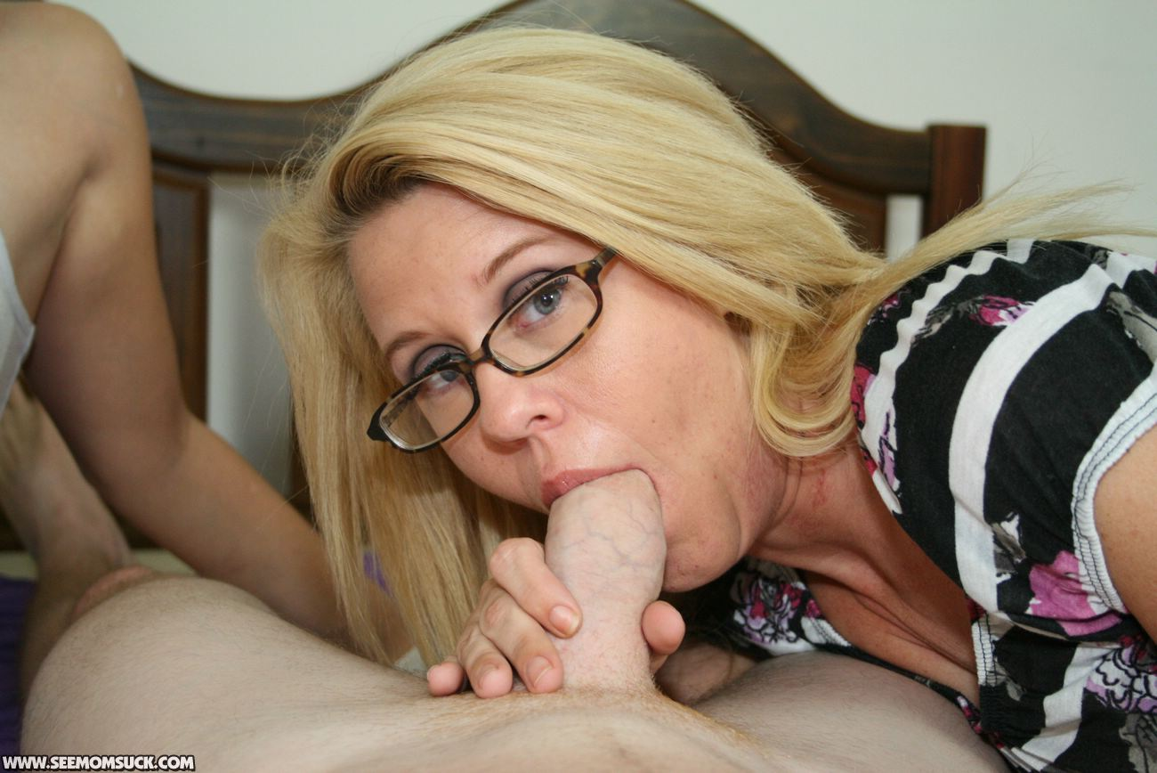 Mother giving son oral sex video