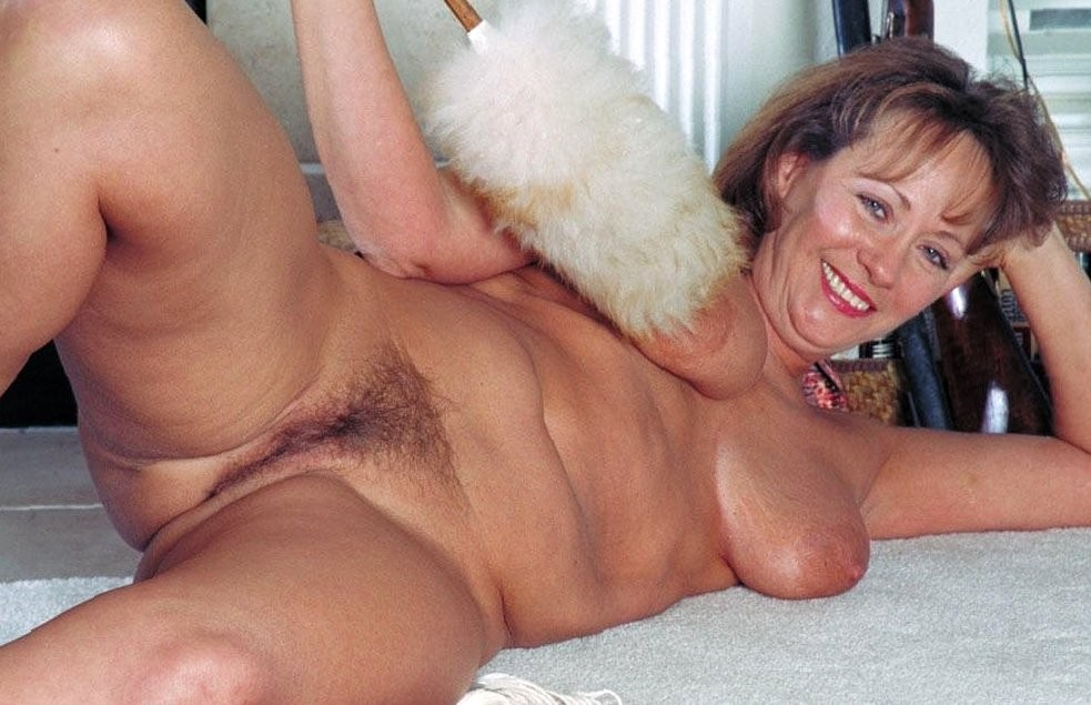 Horney Older Women Naked