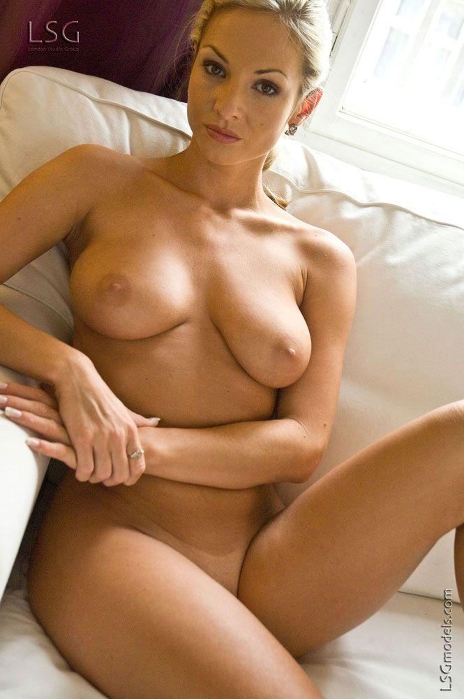 Pictures of an incredible blond naked and ready for you Coed